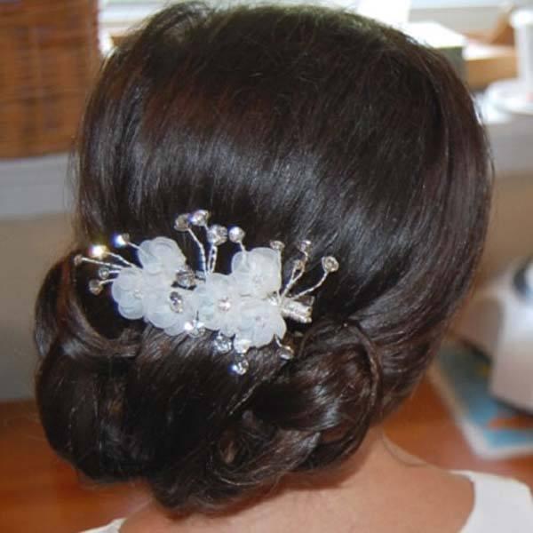 kapsel bruidsmeisjes lage knot